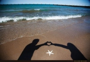 chicago-florida-beach-engagement-photographer-heart-in-sand